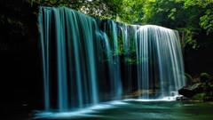 Waterfall showerⅡ