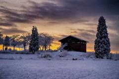 朝焼けの山小屋