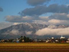 弥彦山の初雪