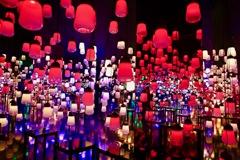 光が呼応するランプの世界 レッド