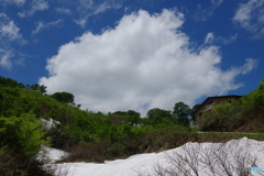 夏スキーのメッカ・月山