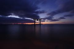 びわ湖、黎明