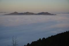 丹波霧の朝