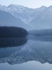 大正池より穂高岳
