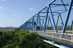 晴れた日の愛岐大橋