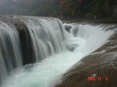 吹き割りの滝DSC00024