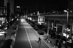 秋葉原 電車再開待ち