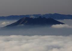 阿蘇根子岳冬景色