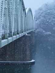 雪の犬山橋