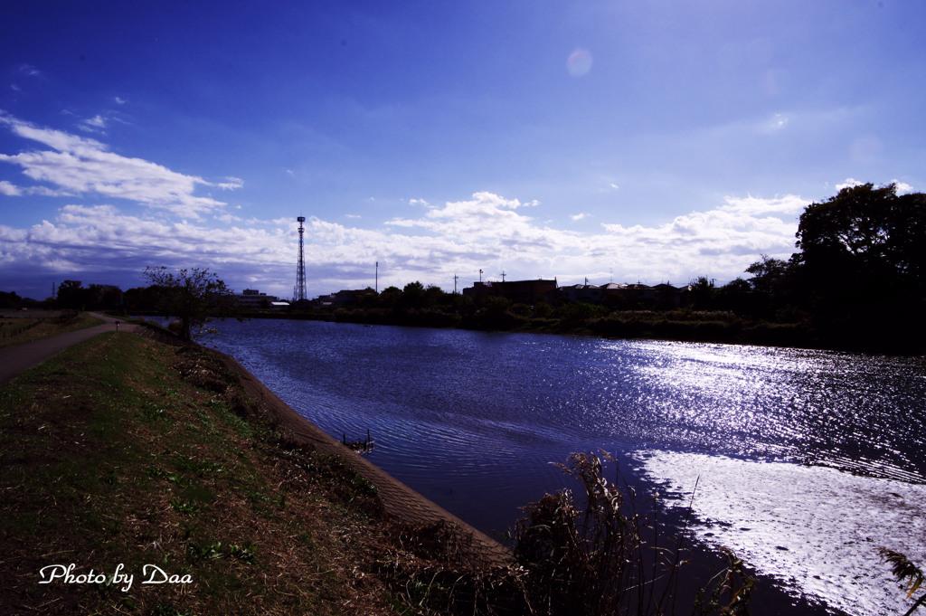 初冬の川面