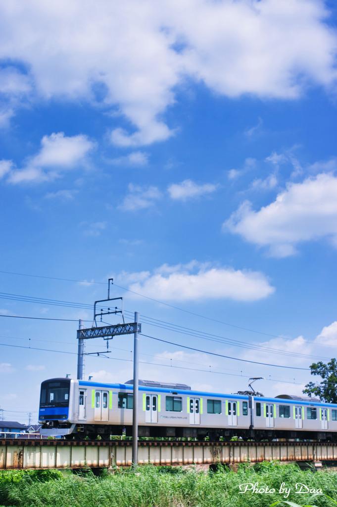8月の空とアーバンパークライン Ⅱ