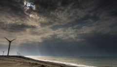 曇り空の朝日 2