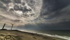 曇り空の朝日 3