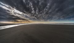 雨上がり砂浜