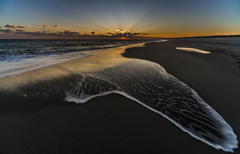 夕暮れの海岸 2