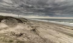 風の強い砂浜2