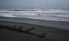 近づく台風 3