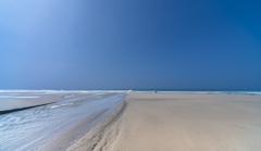 夏日の砂浜