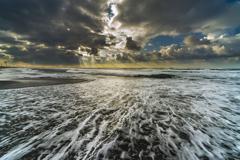 雨上がりの海岸 5