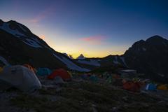 キャンプ場の夕暮れ