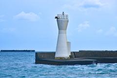 下田港西防波堤灯台