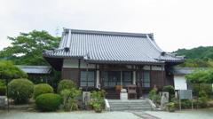 世尊寺 本堂。