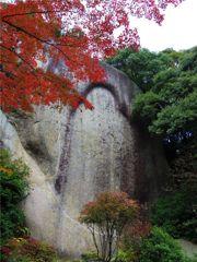 笠置寺弥勒磨崖仏