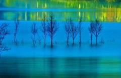 凍てつく闇の境界線 Border of blue
