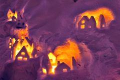 おとぎ話の雪の家