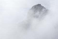 雲上に立つ