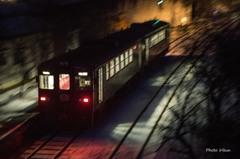 神戸駅を出発するイルミネーション号