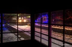 待合室から見る雪景色