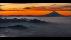 富士の夜明け〜赤岳より〜