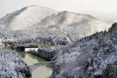 朝一のみの雪景色