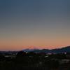 元旦モルゲンロート富士と有り明けの月