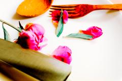 食す 芍薬と包丁