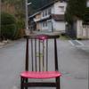 芍薬と椅子