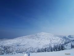 白い山を仰ぐⅡ