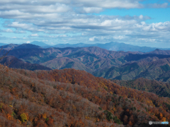 奥羽山脈を望む