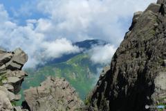 稲倉岳から雲が湧く
