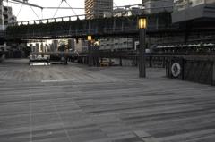 都会の寸景2 浪速の大桟橋