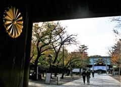 神門の菊の御紋