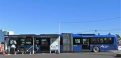 日本初の連節バス「ヨコハマブルー」
