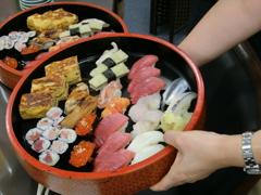 魚鉄の寿司登場