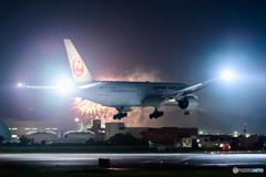 花火に対抗心を燃やす JAL
