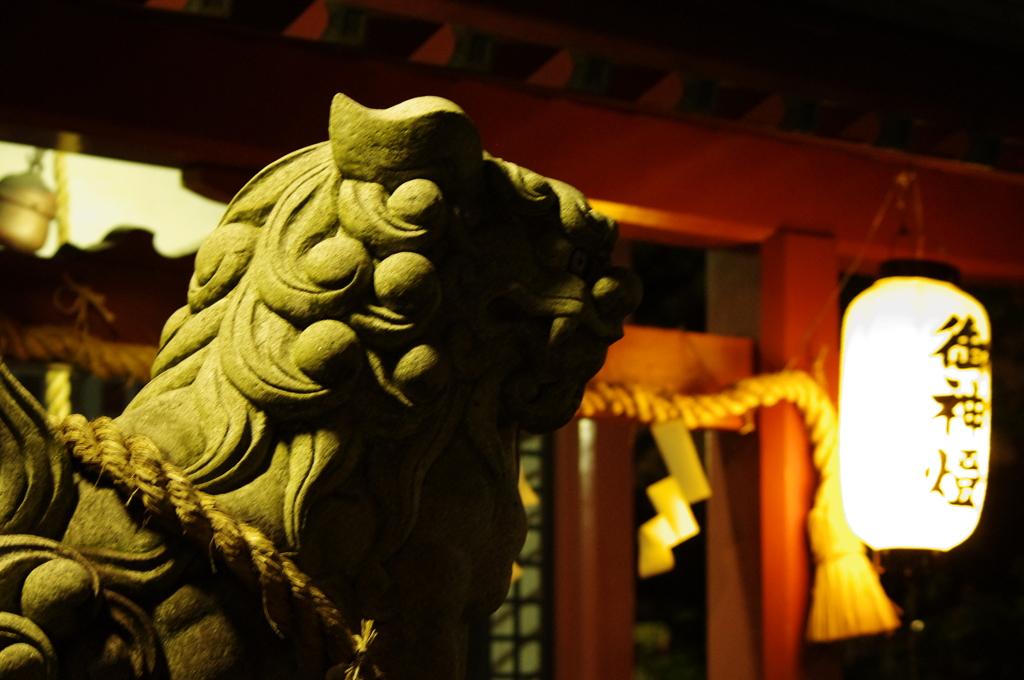 神社にて 「狛犬」