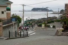 江ノ電と江ノ島の風景