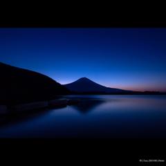 静かな夜明け・・・