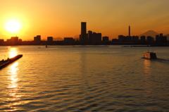 横浜港夕景