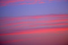 朝焼けの反対側の空